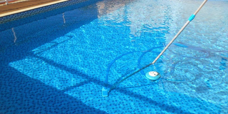 Tips to Make Cleaning Your Swimming Pool Easier | Healthy ...
